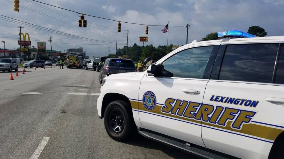 Authorities investigate fatal crash on South Lake Drive | WACH
